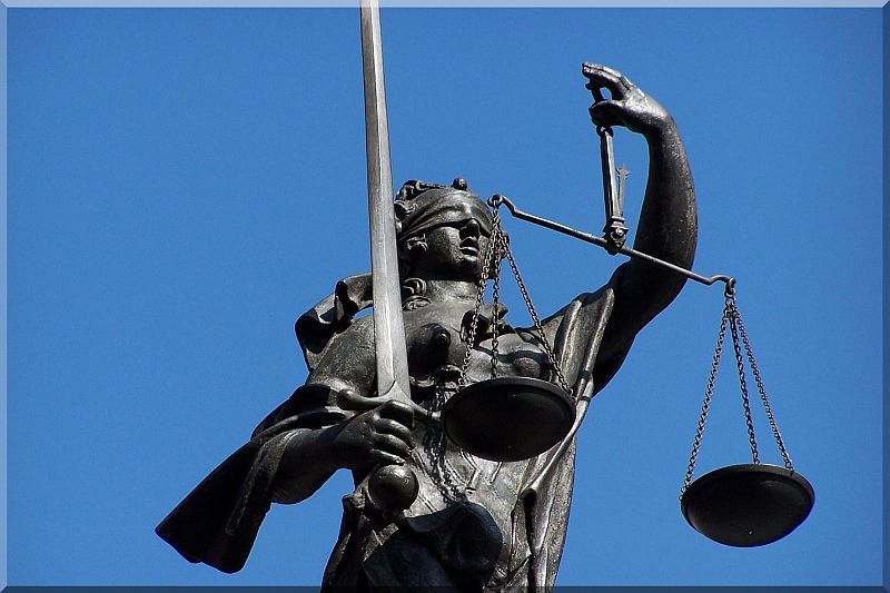 Justitia_R_by_HHS_pixelio