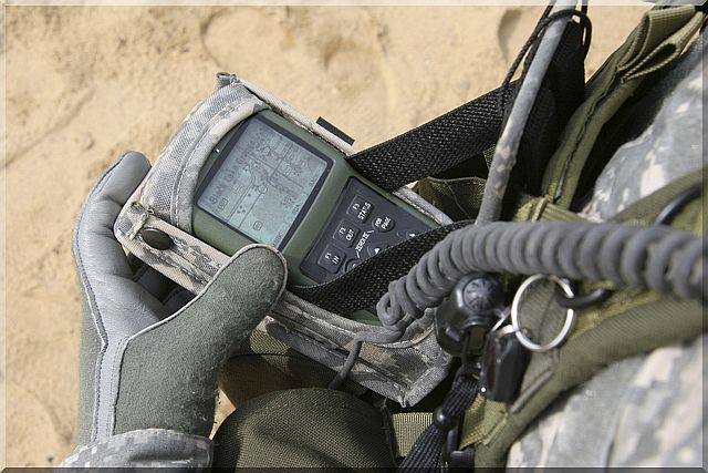 US_Soldier_gps